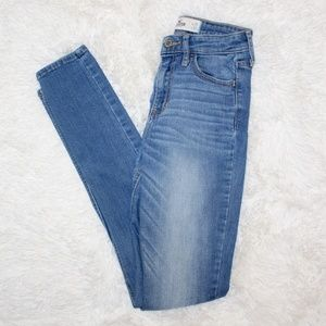 Hollister High Waisted Skinny Jeans Medium Wash 1R